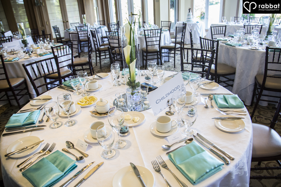 Aqua and white table settings at King Valley Golf Club