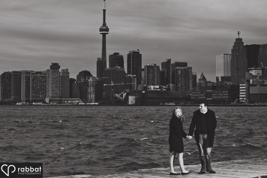 Engagement photo with a view of downtown Toronto