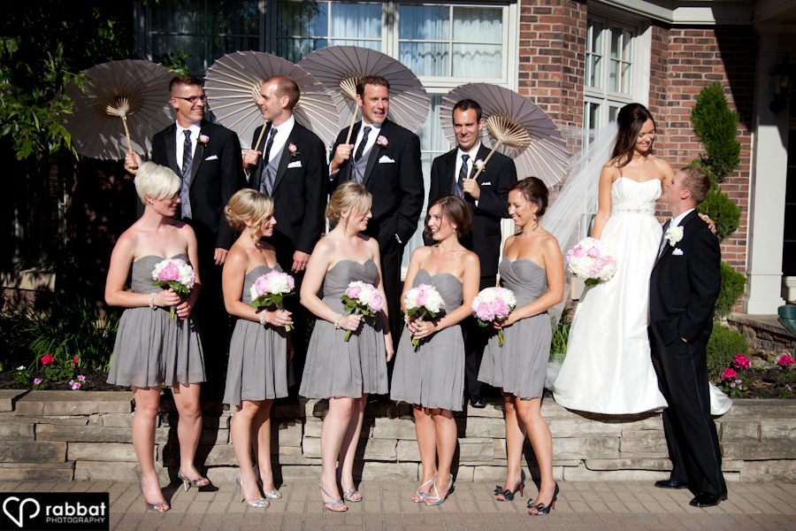 Bridal party with umbrellas at King Valley Golf Course